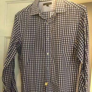 6 medium dress shirts from banana republic